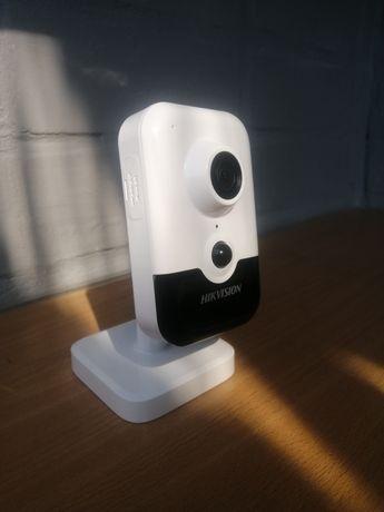 Камера видеонаблюдения HIKVISION DS-2CD2423G0-I