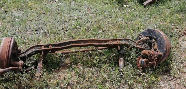 Продаю переднюю балку со ступицами в сборе ЗиЛ 130