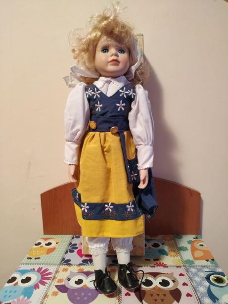 Piękna porcelanowa lalka :)