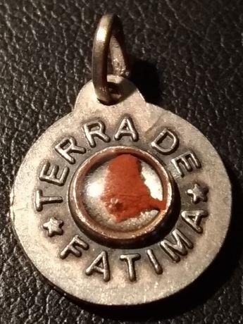 Medalha de Nossa Senhora do Rosário com Terra de Fátima