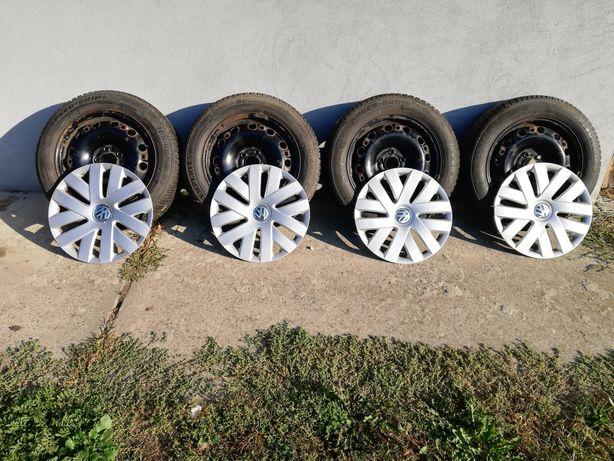 VW 5x100 6Jx15H2 ET38 kompletne koła zimowe z kołpakami i śrubami