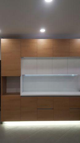 Продам кухню новую выстовочный образец