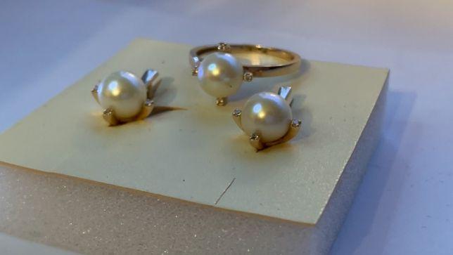 Комплект серьги и кольцо с жемчугом и фианитами