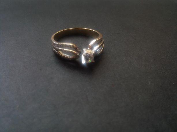 Золотое женское кольцо 17.5р, 585 проба