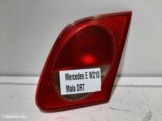 Farolim da mala Dto Usado MERCEDES-BENZ/E-CLASS (W210)   05.96 - 03.02 / 1er mod...