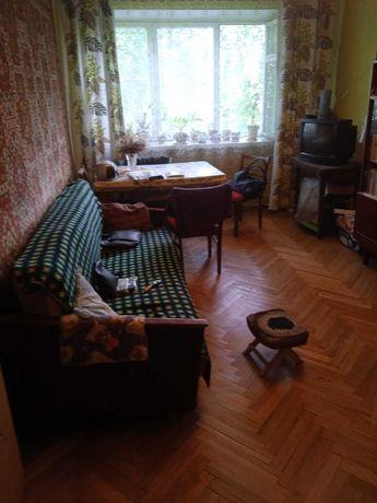Продаж 2-х кім. квартири: вул. Лазаренка (податкова)