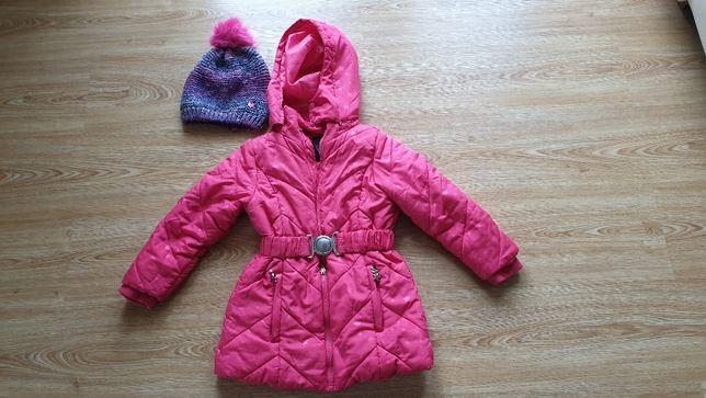 Sprzedam kurtkę dla dziewczynki rozmiar 104 plus czapka