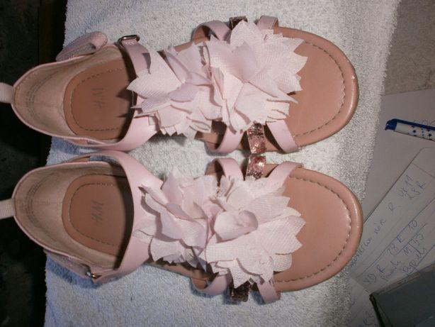 H & M sandały sanałki r 32 kwiatami różowe
