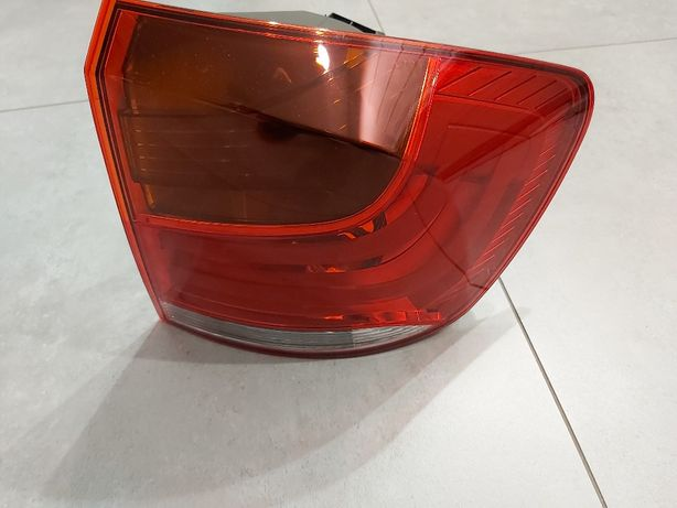 Lampa tylna prawa BMW X1 BDB stan brak uszkodzeń