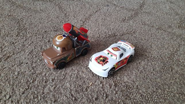 """Машинки """"ТАЧКИ"""" Маквин и Мэтр."""
