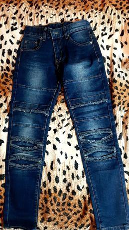 Очень модные джинсы на мальчика