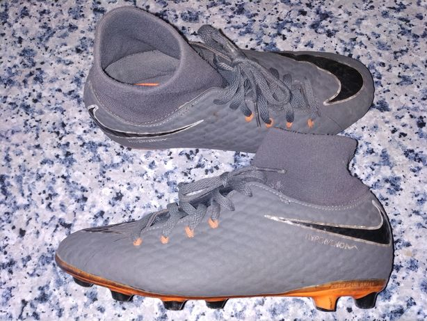 Chuteiras, botas futebol
