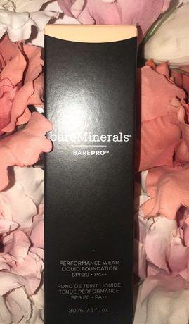 Podkład z pędzlem Bare Pro Podkład Mineralny w Płynie bareMinerals