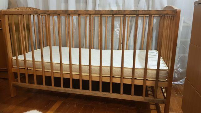 Дитяче ліжечко з матрасом