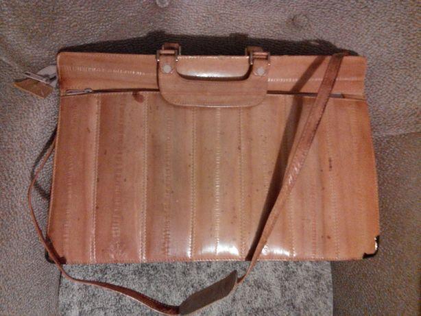 Продам кожаный портфель и сумку времён СССР .