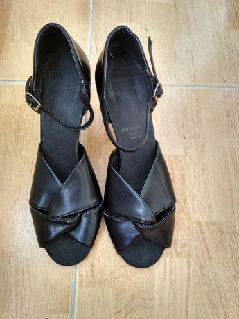 Дитячі туфельки для бальних танців