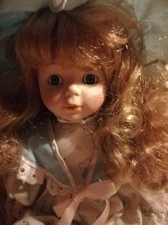Boneca em loiça