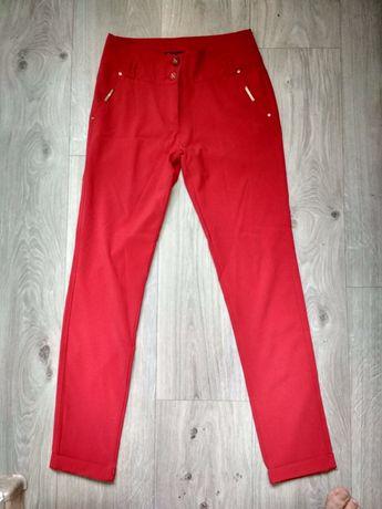 Жіночі стрейчеві штани