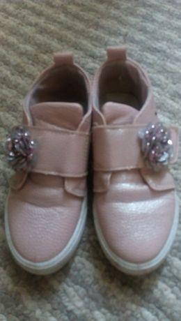 Продам туфлi на дiвчинку