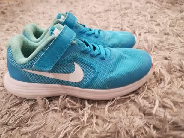 Adidasy Nike 32