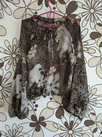 Коричнева блузка