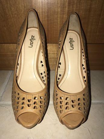 Sapatos cor Camel - NOVOS