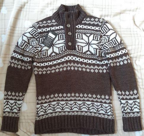 Новый,с этикеткой.Шерстяной мужской свитер(Турция)