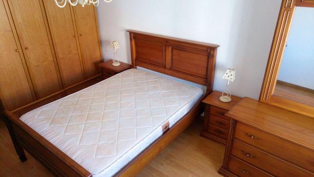 Mobília de Quarto de casal contemporâneo em madeira de castanho maciço