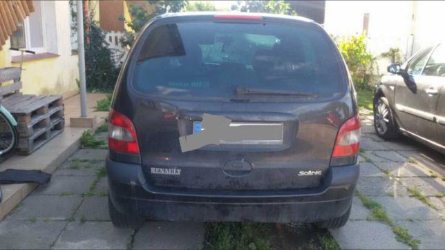 Sprzedam  samochód Renault Scenic  1.9 dci  ! uszkodzony !