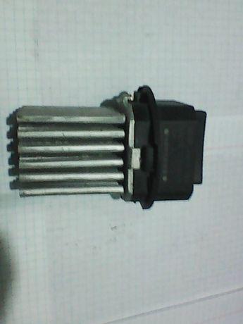Датчик включения вентилятора печки салона и кондиционера Ситроен Т4