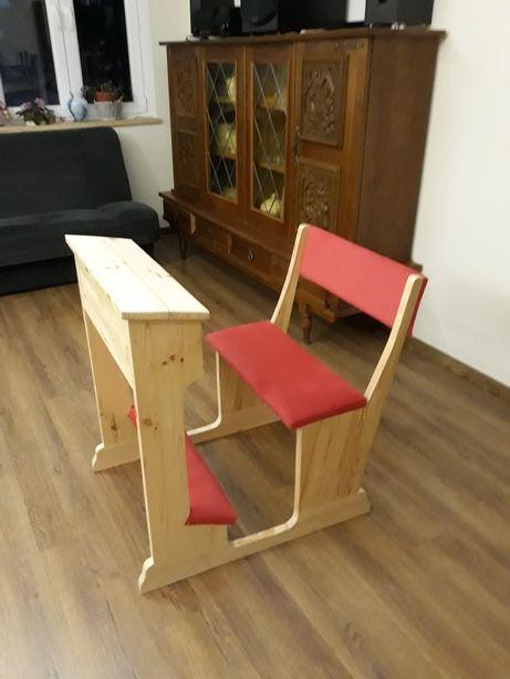 Klęcznik z siedziskiem, siedzeniem i oparciem