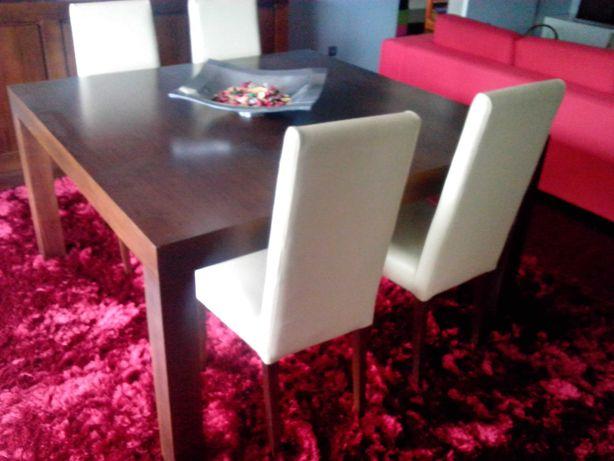 Mesa de sala de jantar