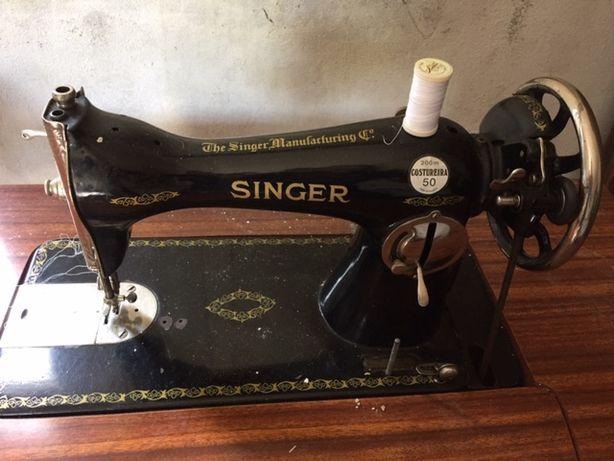 Maquina de Costura Singer Vintage