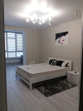 Шикарна 1-кімнатна квартира Зарічанська