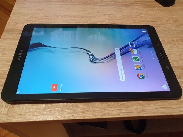 Планшет Samsung Tab E SM T561 3G