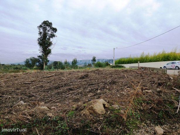 Terreno em zona de construção para venda a 1 min. do Rio ...