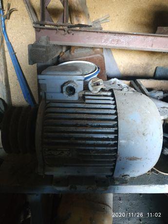Електромотор 7.5 кіловат 1450 оборотів