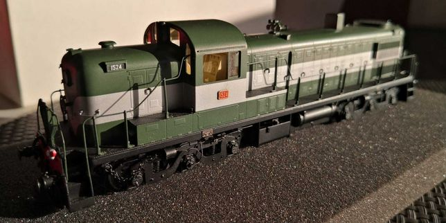 Locomotiva CP 1524 versão verde NORBRASS