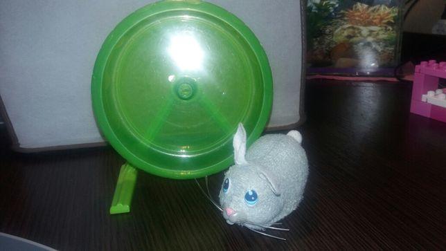 Хомячок бегает, интерактивная игрушка