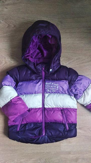 Классная теплая демисезонная куртка курточка на 3-4 года
