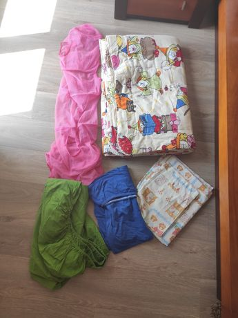Têxteis cama individual Zara e Gato Preto