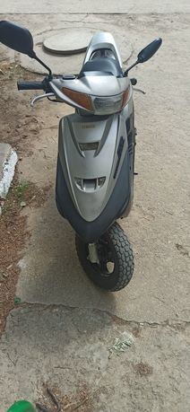 Продам скутер Yamaha super Jog ZR