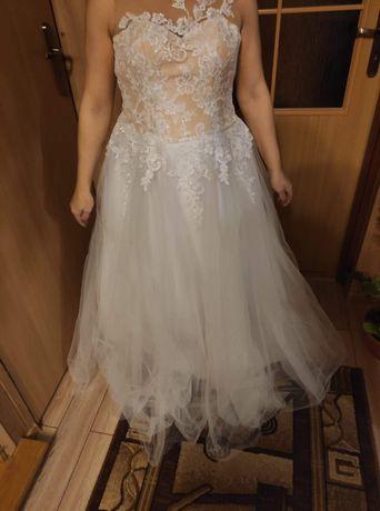 Suknia ślubna r .42 -46