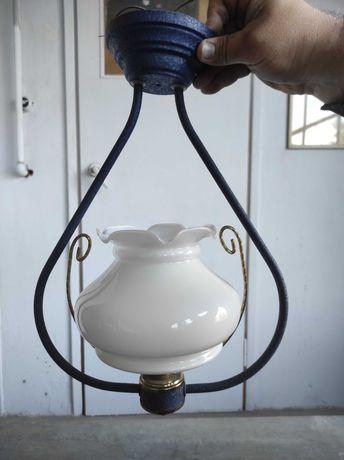 Lampa sufitowa klosz biały