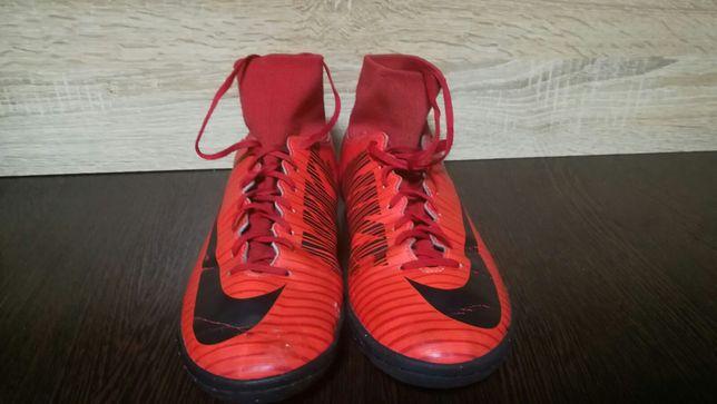 Сороконожки Nike MercurialX
