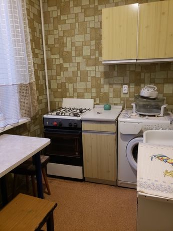 Сдам 1 комнатная квартира метро Индустриальная.4800 грн.