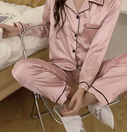 Розовая атласная пижама в стиле Виктория Сикрет