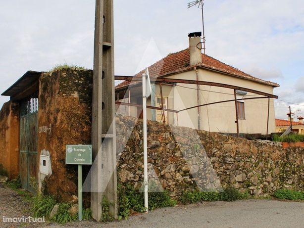 Moradia com terreno em Nobrijo - Branca