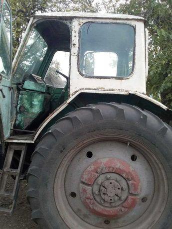 Продам трактор ЮМЗ 6 в хорошем состоянии, торг уместен.