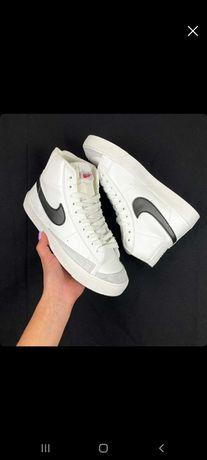 Nike mid blazer 77 novos